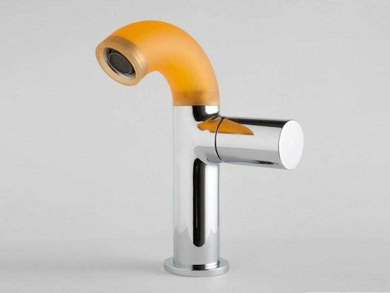 новый цветной футуристичный смеситель POP бренда ZAZZERI.