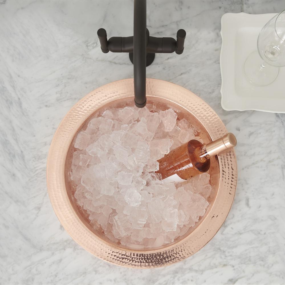 круглая глубокая встраиваемая барная кухонная мойка из бронзы с молотковым эффектом (капельная чеканка - обработка поверхности) финиш поверхности розовое золото (другие варианты: античная бронза, никель, золото глянец, золото мат)