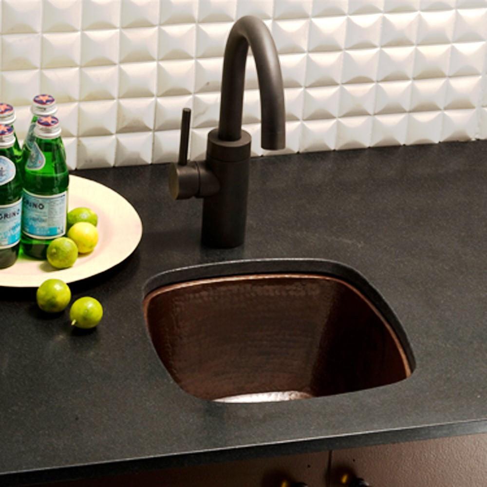 небольшая встраиваемая барная кухонная мойка из бронзы с молотковым эффектом (капельная чеканка - обработка поверхности)