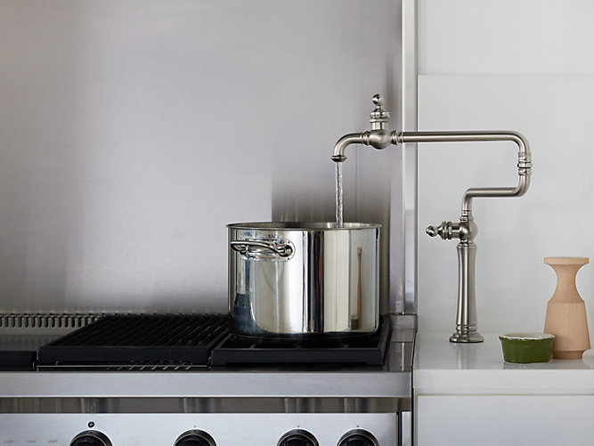 кран для наполнения кастрюль на столешницу кухонной мебели