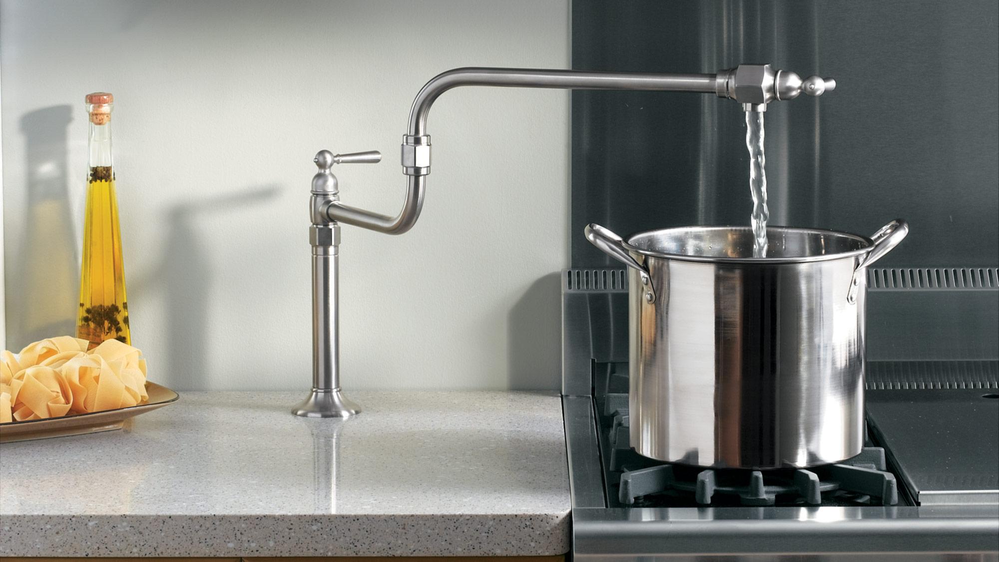 Несколько причин для установки крана для налива воды над плитой